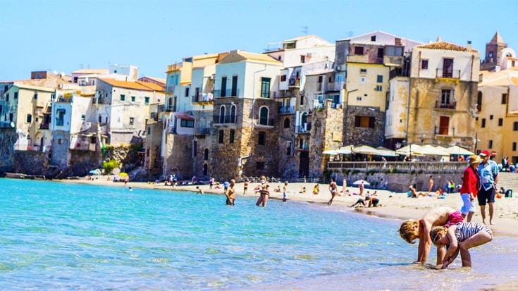 Пляжи Сицилии, семейный отдых в Италии на море, Чефалу, отдых с детьми на Сицилии, отдых с детьми в Чефалу, пляж для детей на Сицилии, песчаный пляж в Чефалу, лучшие пляжи Сицилии